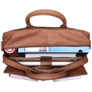 Lehrertasche gefüllt mit Material